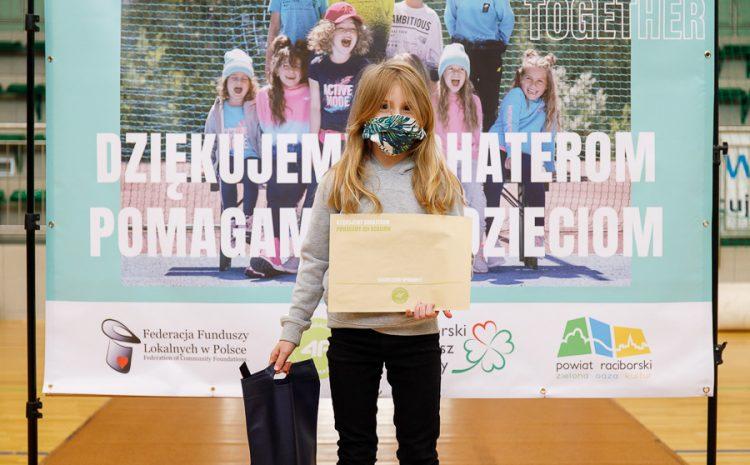 """Wręczenie nagród w konkursie """"Dziękujemy Bohaterom. Pomagamy ich dzieciom"""" – relacja"""